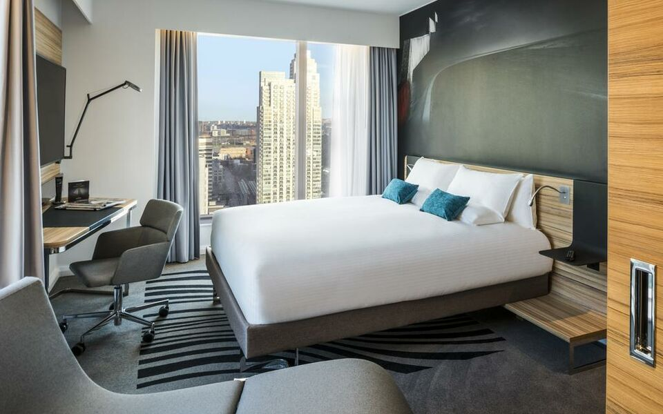 Novotel London Canary Wharf, London, Tower Hamlets (12)