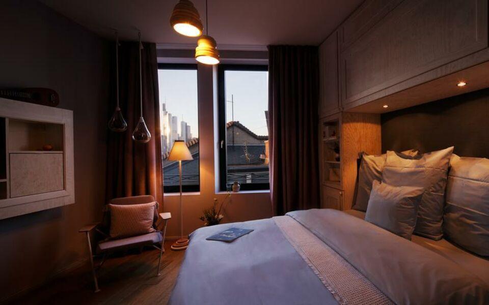 libertine lindenberg frankfurt deutschland. Black Bedroom Furniture Sets. Home Design Ideas