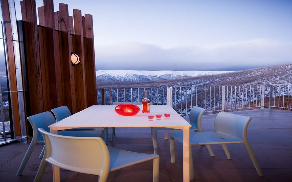 qt falls creek a design boutique hotel falls creek australia. Black Bedroom Furniture Sets. Home Design Ideas