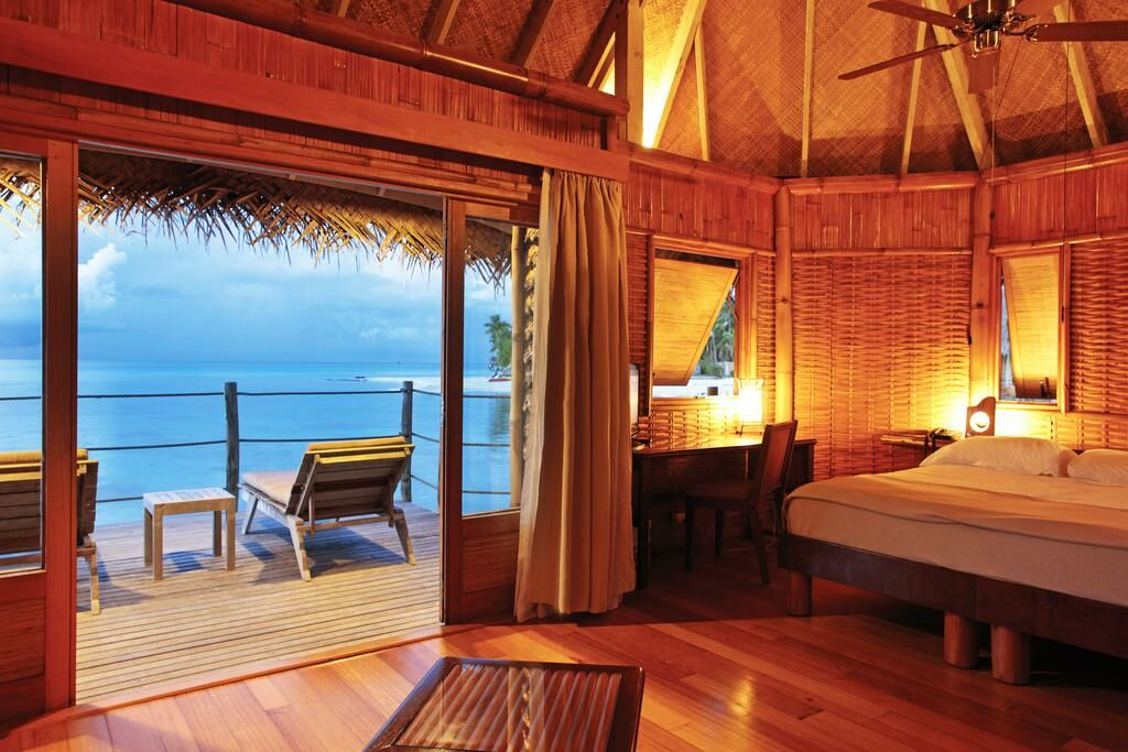 Tikehau pearl beach resort a design boutique hotel for Boutique hotels just outside london