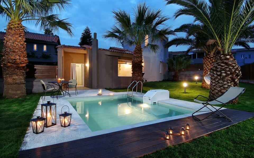 Paradise island villas a design boutique hotel crete for Boutique hotel uzuri villa