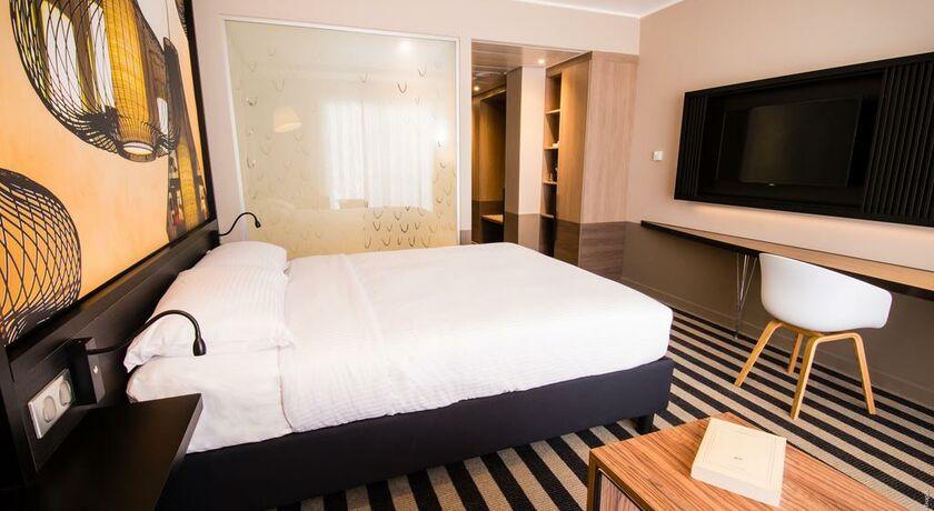 simon hotel a design boutique hotel fort de france. Black Bedroom Furniture Sets. Home Design Ideas