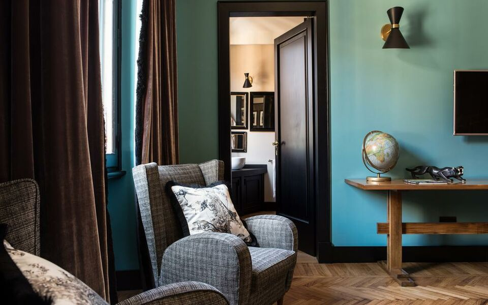 Velona 39 s jungle luxury suites a design boutique hotel for Design hotel florence