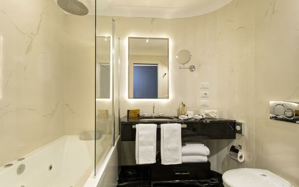 GKK Exclusive Private Suites, Rome (11)