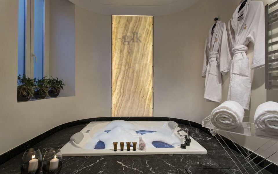 GKK Exclusive Private Suites, Rome (14)