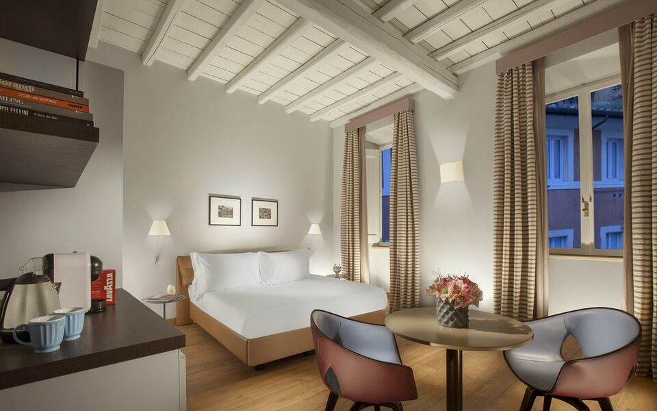Palazzo scanderbeg a design boutique hotel rome italy for Design boutique hotel rome