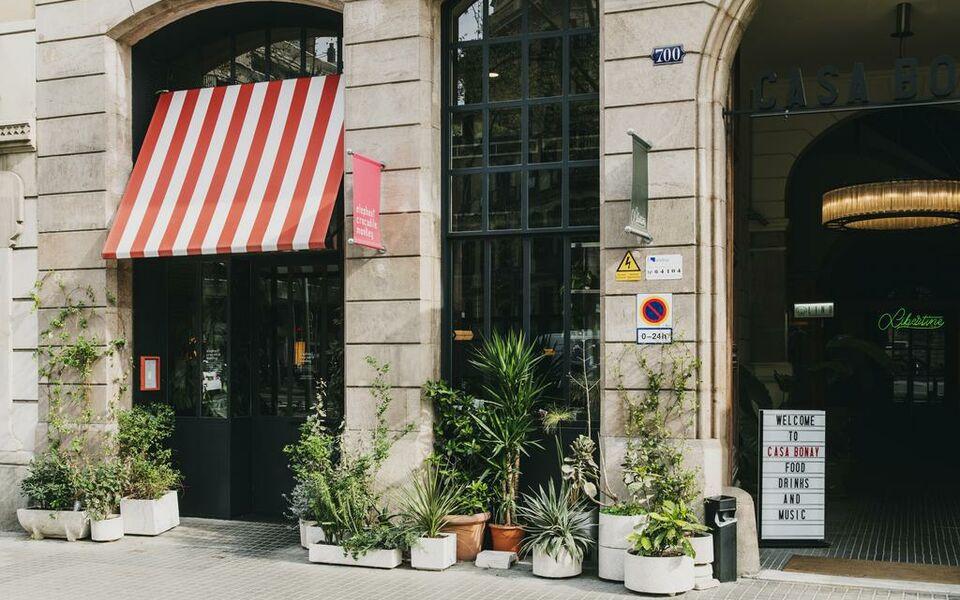 hotel casa bonay a design boutique hotel barcelona spain. Black Bedroom Furniture Sets. Home Design Ideas