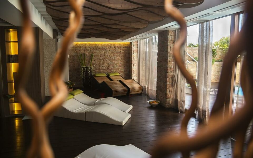 Melbeach hotel spa adults only a design boutique for Design hotel few steps from the david