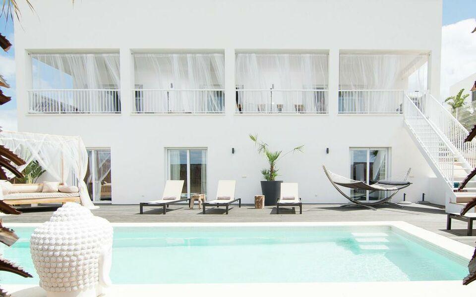 Villa destino 2 talamanca a design boutique hotel ibiza for Design hotel ibiza