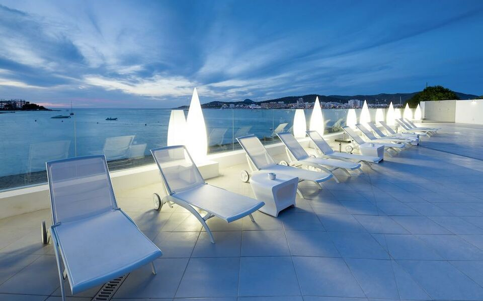 Axelbeach Ibiza Spa And Beach Club