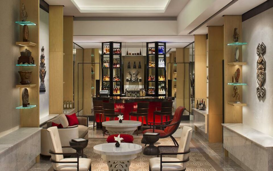 Keraton at the plaza a luxury collection hotel jakarta for Boutique hotel collection