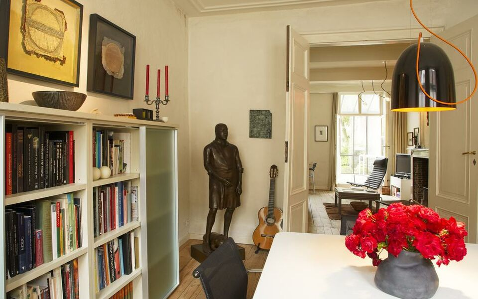 B&B Alphabet - Luxury Guesthouse and Art Gallery, Bruges (19)