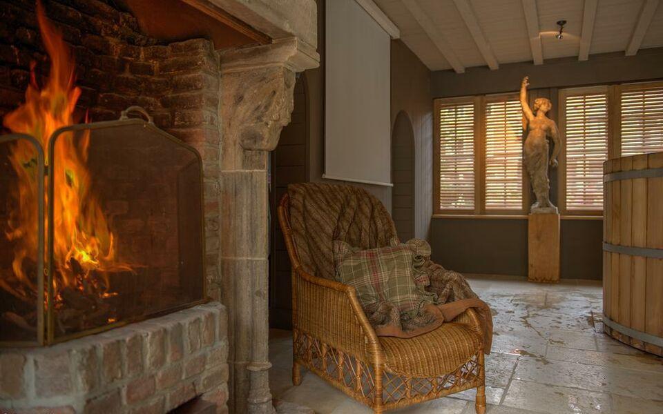 Exclusive suites the secret garden a design boutique for Secret boutique hotels