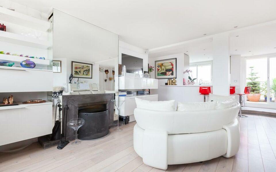 My Private Home  U2013 Auteuil  U2013 Roland