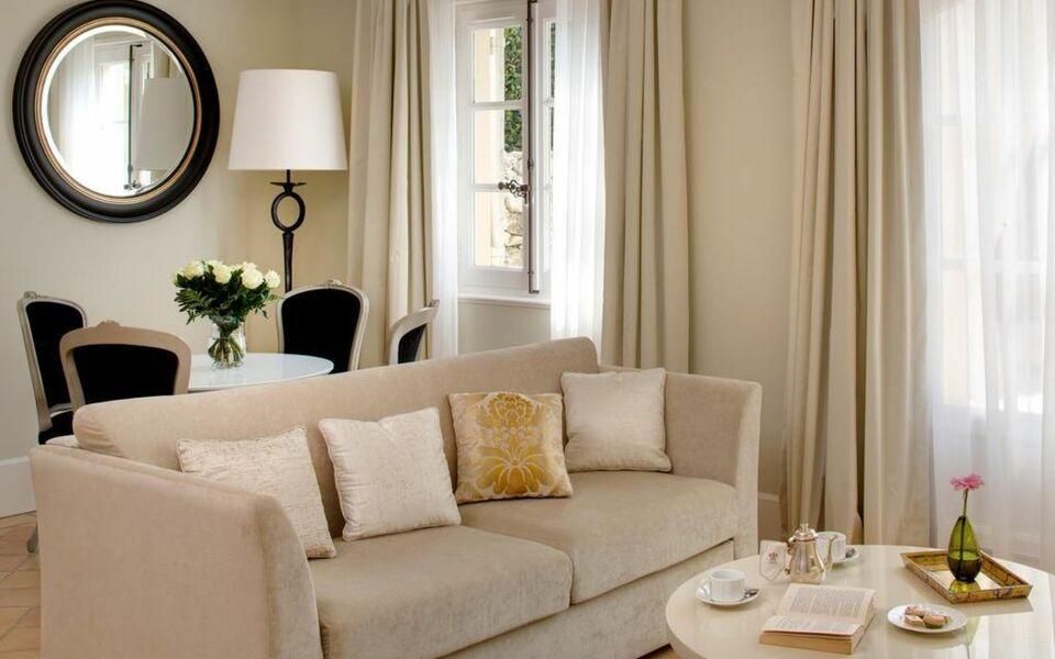 Le mas de pierre a design boutique hotel saint paul de for Design hotel des francs garcons saint sauvant