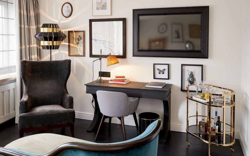 sir nikolai hotel hamburg deutschland. Black Bedroom Furniture Sets. Home Design Ideas
