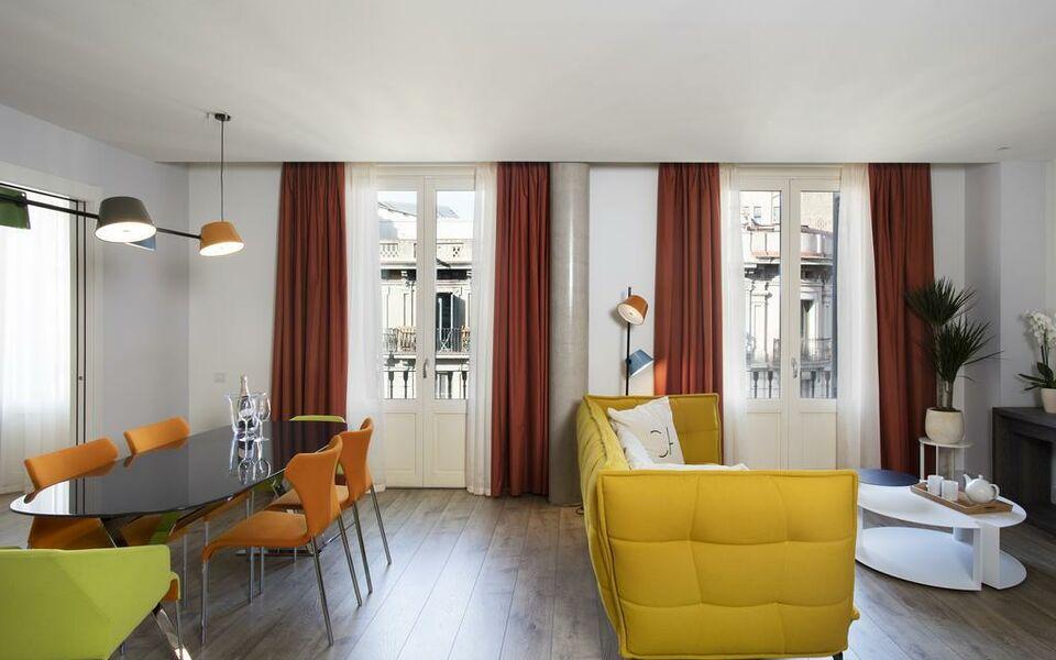 Cosmo apartments passeig de gr cia a design boutique for Ave hotel barcelona madrid