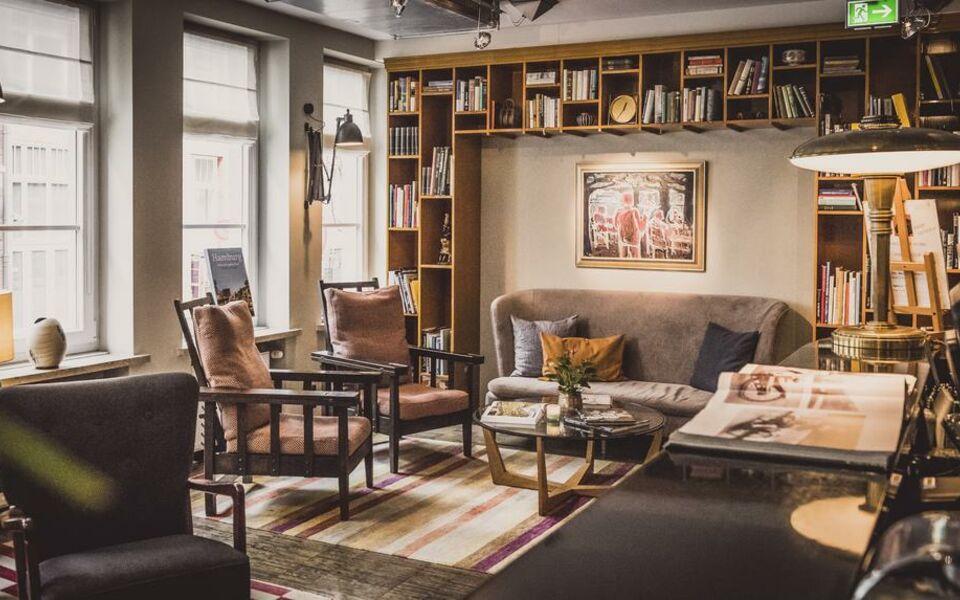 henri hotel hamburg downtown a design boutique hotel. Black Bedroom Furniture Sets. Home Design Ideas