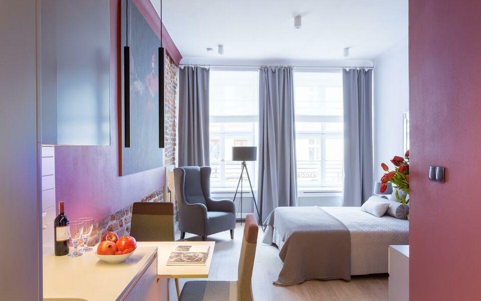 Cadena gallery apartments a design boutique hotel krak w for Designer apartment krakow