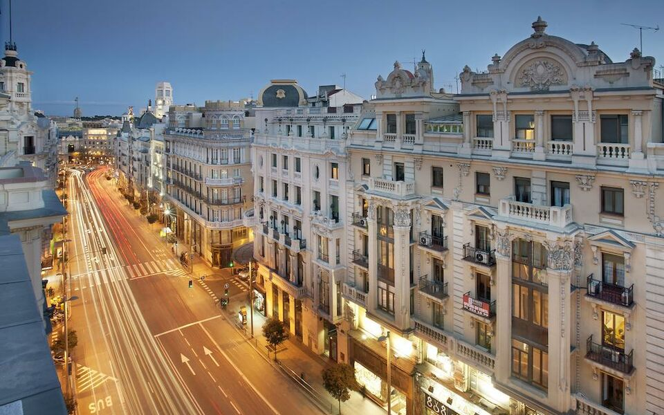 Boutique hotel h10 villa de la reina a design boutique for Hotel boutique madrid centro