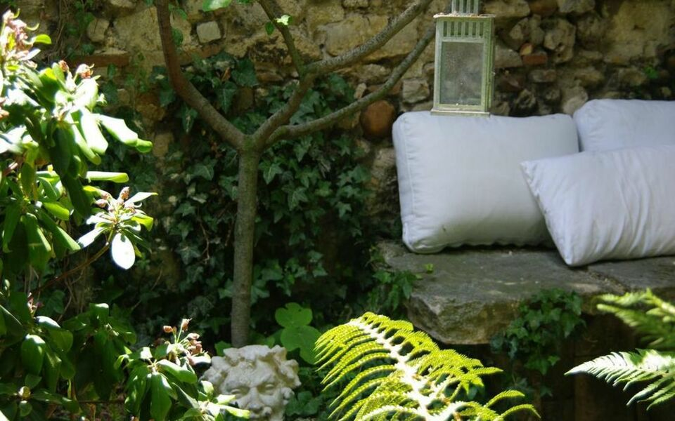 Les Jardins de Baracane, a Design Boutique Hotel Avignon, France