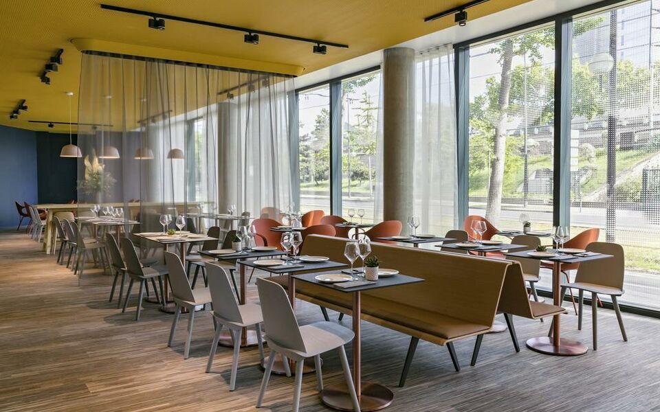 Okko hotels paris porte de versailles a design boutique for Paris expo porte de versailles paris france