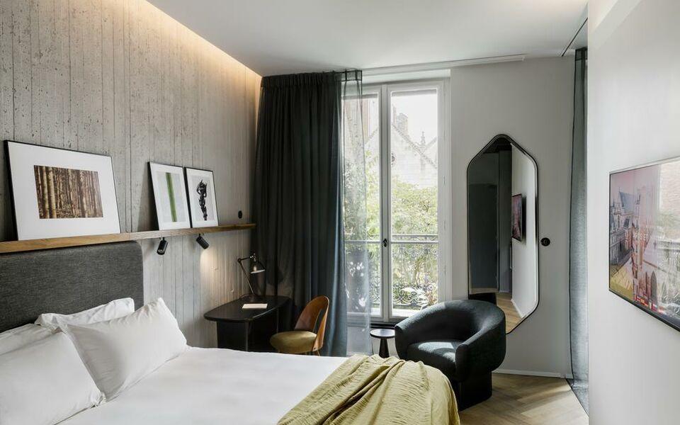 H tel national des arts et m tiers a design boutique for Art design boutique hotel imperialart