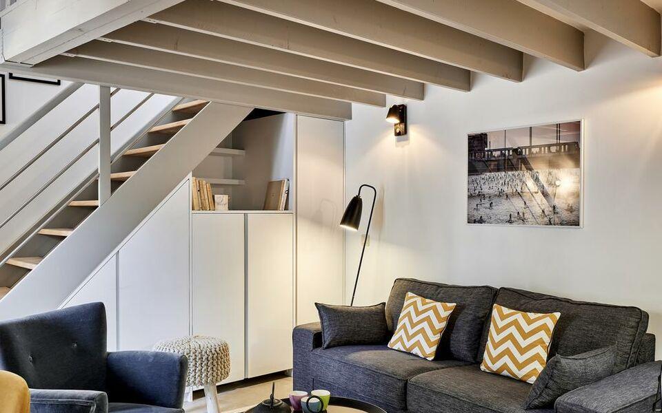 my maison in paris sentier paris frankreich. Black Bedroom Furniture Sets. Home Design Ideas