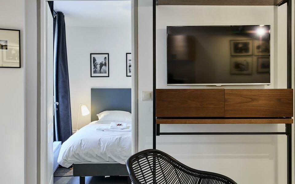 my maison in paris sentier a design boutique hotel paris france. Black Bedroom Furniture Sets. Home Design Ideas