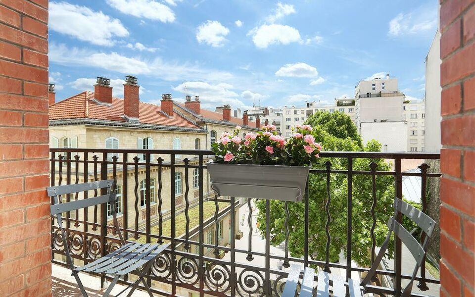 Hotel Rue Fondary Paris