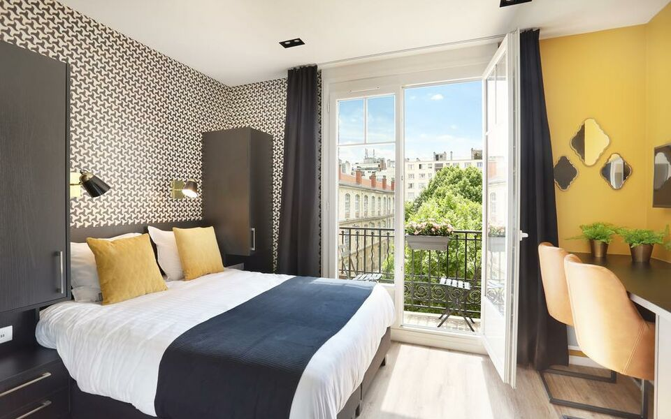 my apartment tour eiffel a design boutique hotel paris