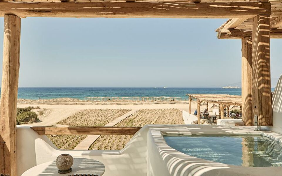 Naxian on the beach a design boutique hotel naxos greece for Boutique hotel naxos