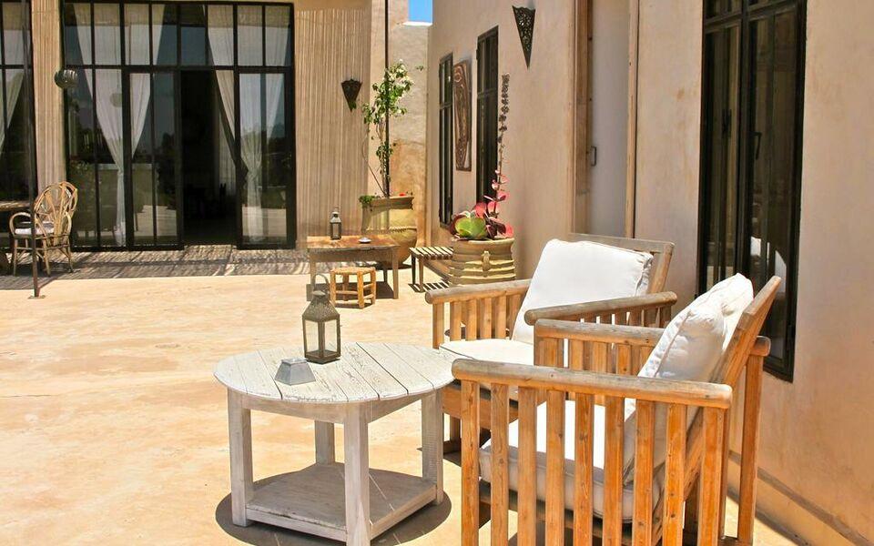 Dar alya essaouira maison et table d 39 h tes a design for Boutique decoration maison