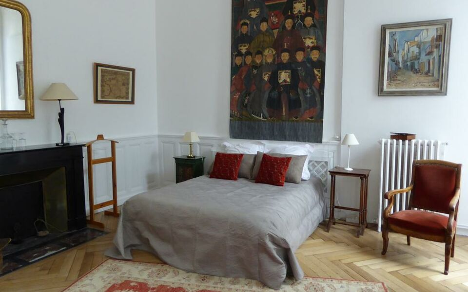 a l 39 ombre des ar nes chambre d 39 h te nimes frankreich. Black Bedroom Furniture Sets. Home Design Ideas
