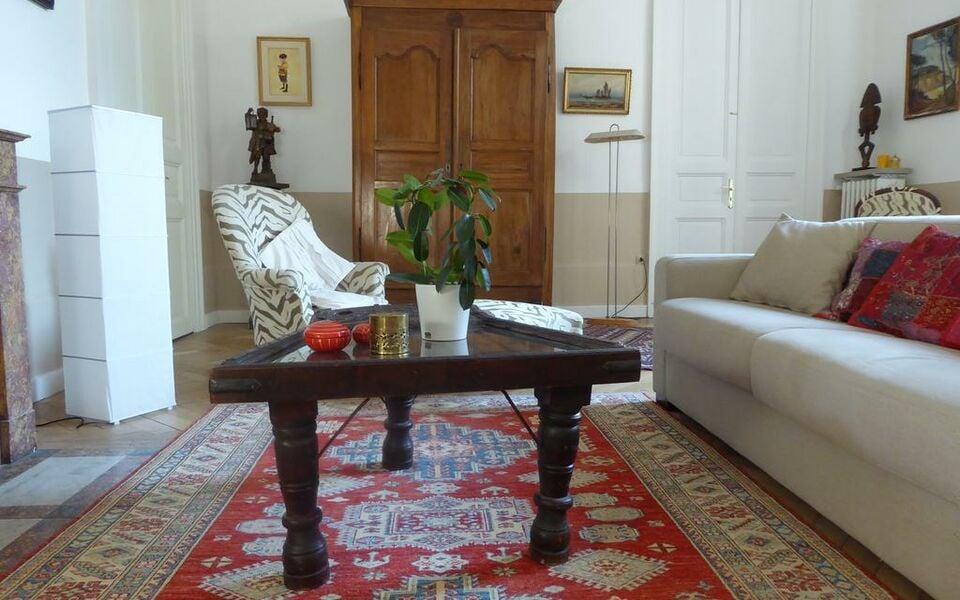 a l 39 ombre des ar nes chambre d 39 h te a design boutique hotel nimes france. Black Bedroom Furniture Sets. Home Design Ideas