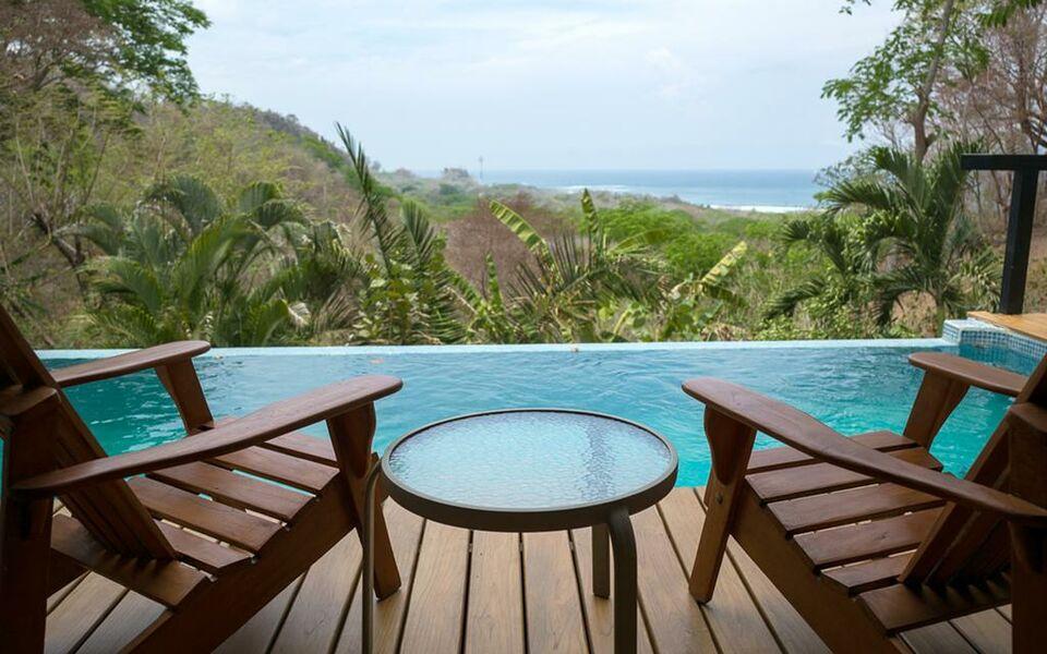 Casa chameleon hotel mal pais a design boutique hotel mal for Pool design costa rica
