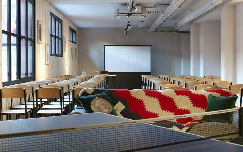 mob hotel paris les puces saint ouen france my. Black Bedroom Furniture Sets. Home Design Ideas
