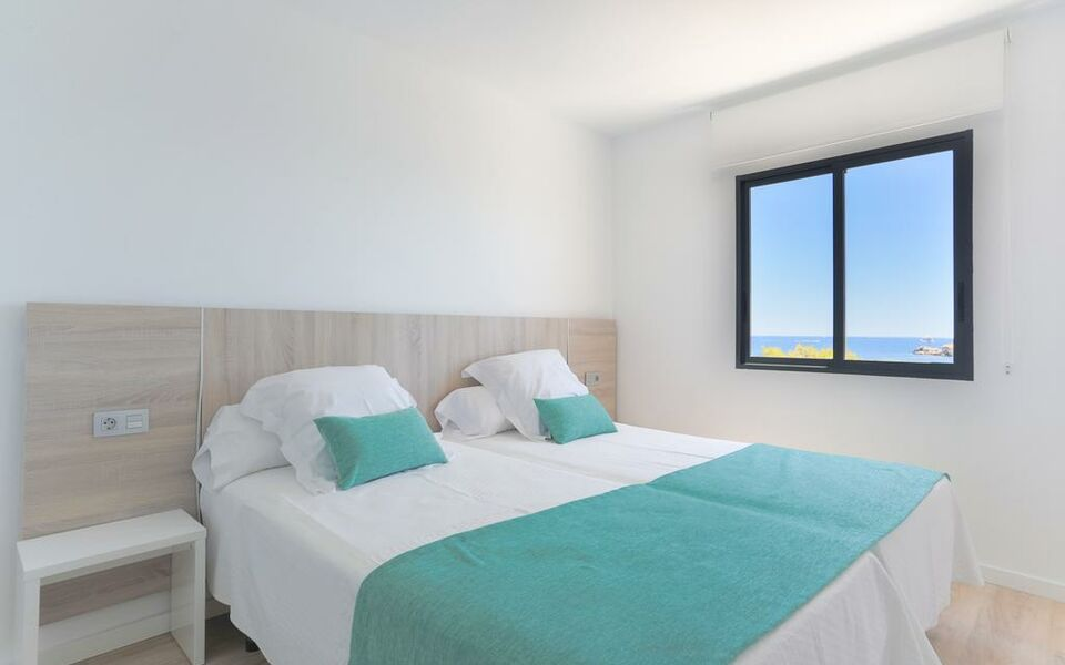 White apartments adults only a design boutique hotel for Design boutique hotels ibiza