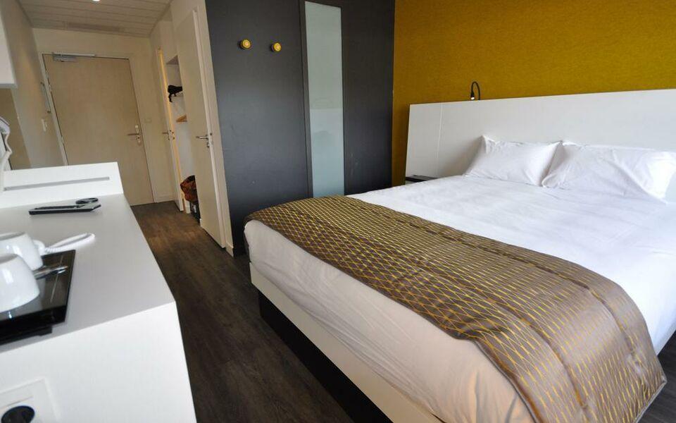 qualys hotel vannes vannes frankreich. Black Bedroom Furniture Sets. Home Design Ideas