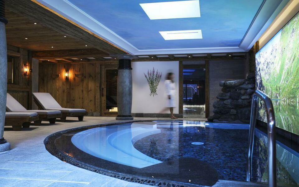 Hotel restaurant la bouitte relais ch teaux a design for Design hotel des francs garcons saint sauvant