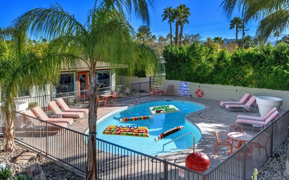 The Chuck Palm Springs A Design Boutique Hotel Palm
