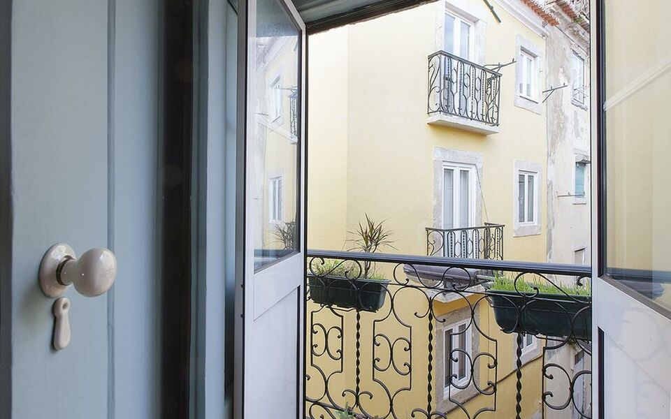 Sweet Inn Apartments - Moonlight Serenade, Lisbon (12)
