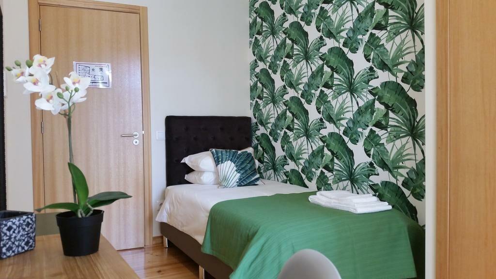 Lisbon garden boutique guest house lisbon portugal for Habitaciones familiares lisboa