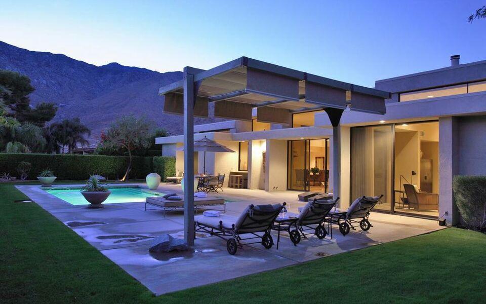 Contemporary dreams a design boutique hotel palm springs for Design hotel palm springs