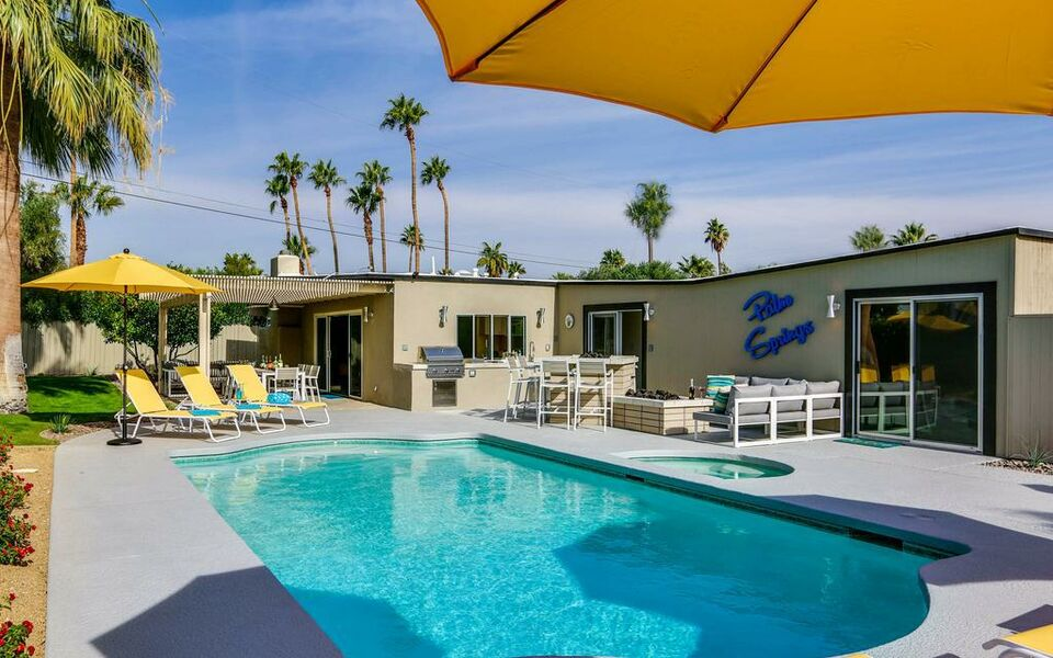 Mellow Yellow Erfly Palm Springs 1