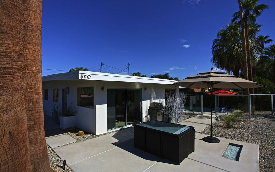The white house a design boutique hotel palm springs u s a for Ma boutique hotel