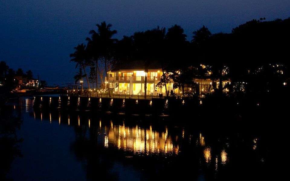 Acron Waterfront Resort, Baga (11)
