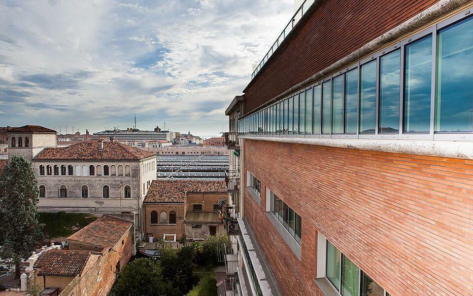 Venice halldis apartments a design boutique hotel venice for Appartement design venise