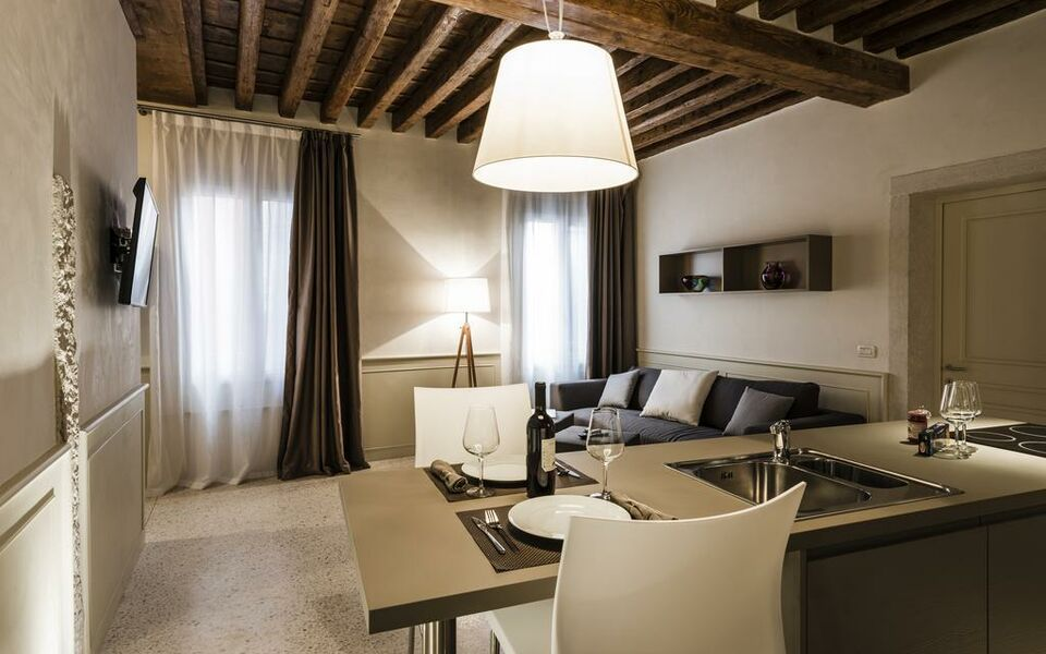 San Marco Gartenmöbel myplace san marco apartments, venedig, italien