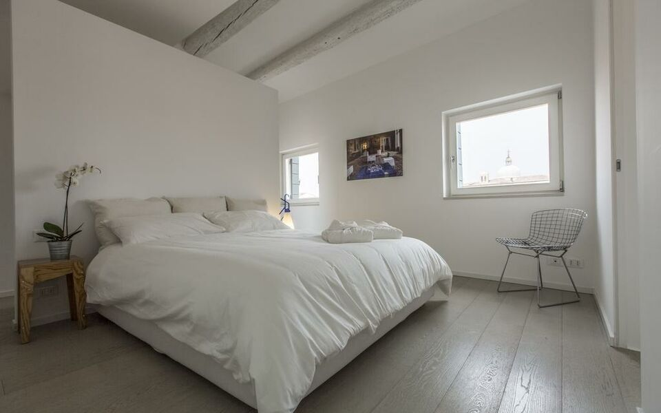 San lorenzo luxury penthouse a design boutique hotel for Design boutique hotel venice